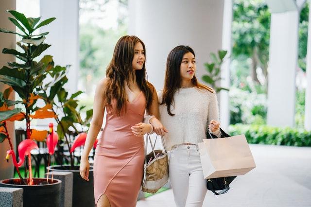 Waarom online tassen kopen handig is